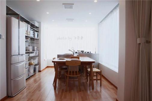 开放式厨房、游泳池、移动阳光房……他在上海外环装修了一栋房子,却深得日式家居之魂