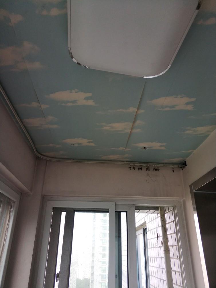 靠尺测量墙面平整度有误差,厨卫砖空鼓严重,室内强电箱总开建议换小.