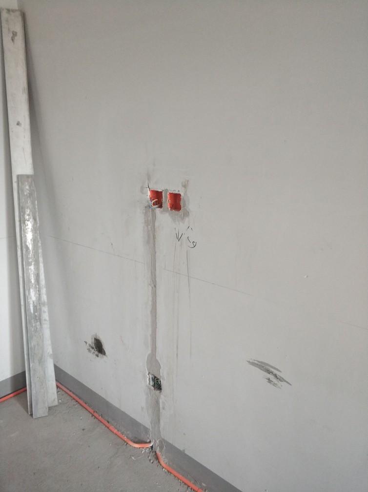 厨房墙体抹灰未整体抹灰找平3.