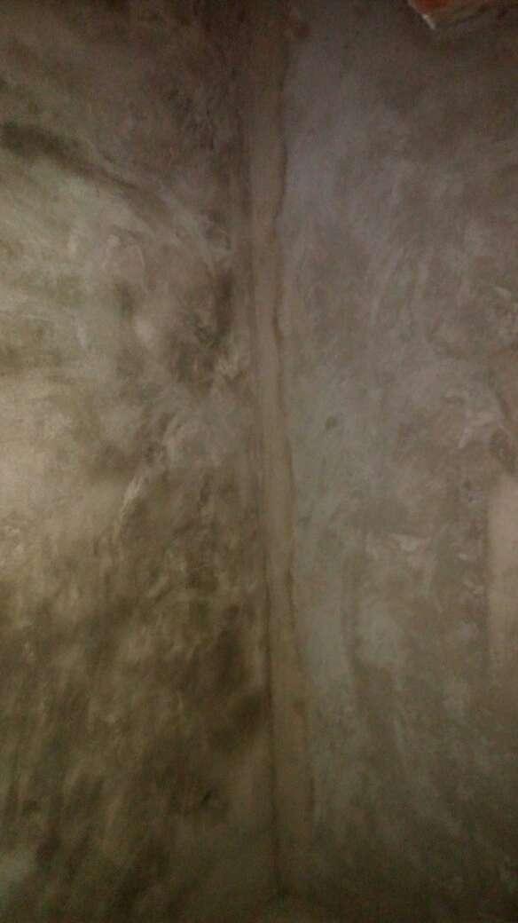 2017-08-08上门监理情况如下:水电巡检。新砌墙巡检。现场无人施工。检查内容如下:卫生间新砌墙底部返水梁工艺到位,新砌墙体平整垂直度符合工艺要求,老墙粉刷平整垂直度符合工艺要求,阴阳角平直,窗边处理平直。需要注意事项如下:待拆除部位拆除中尽量使用小工具处理,砖墙比较好拆除。完成面在粉墙前要求施工方挂钢丝网粉墙。两门头及卫生间需做过梁处理。下次上门节点为水电巡检。