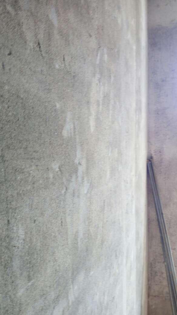 2017-08-10上门监理情况如下:水电巡检。新砌墙巡检。现场墙保涂刷。检查内容如下:卫生间新砌墙返水粱高度符合工艺要求,新砌墙体垂直平整,抹灰层无翻沙现象并挂网抹灰,阴阳角平直,符合工艺要求,过梁采用角铁过梁,符合工艺要求,预留门洞符合要求。房间新砌墙轻质砖砌墙垂直平整度符合工艺要求,预留门洞合理,窗边门边修补到位。需要注意的是卫生间地面扩张处处理,现场已和项目经理沟通。下次上门节点为水电巡检。