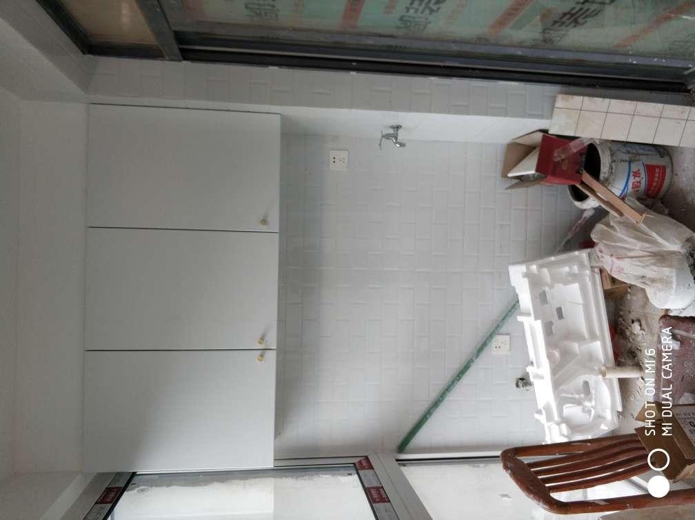 2018-06-10上门监理情况如下:尊敬的庄小姐您好,今天上门服务是竣工验收,开关开启灵活,插座通电,成品门门套表面无色差,安排牢固,开启灵活,集成吊顶平整,花纹一致,无明显色差,橱柜门无色差,地板平整,走动无异响,龙头安装牢固,下水顺畅,墙顶面乳胶漆平整阴阳规范,无露底无漏刷,无流挂,需要整改的是,主卧壁灯不亮,墙面有几处沙印要修补,
